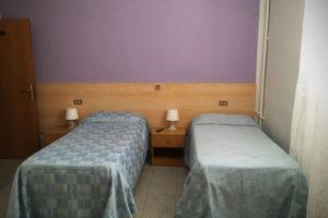 albergo-la-torretta-camera-doppia-01