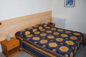 albergo-la-torretta-camera-matrimoniale-03